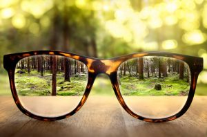 When to Choose Glasses Over Contacts